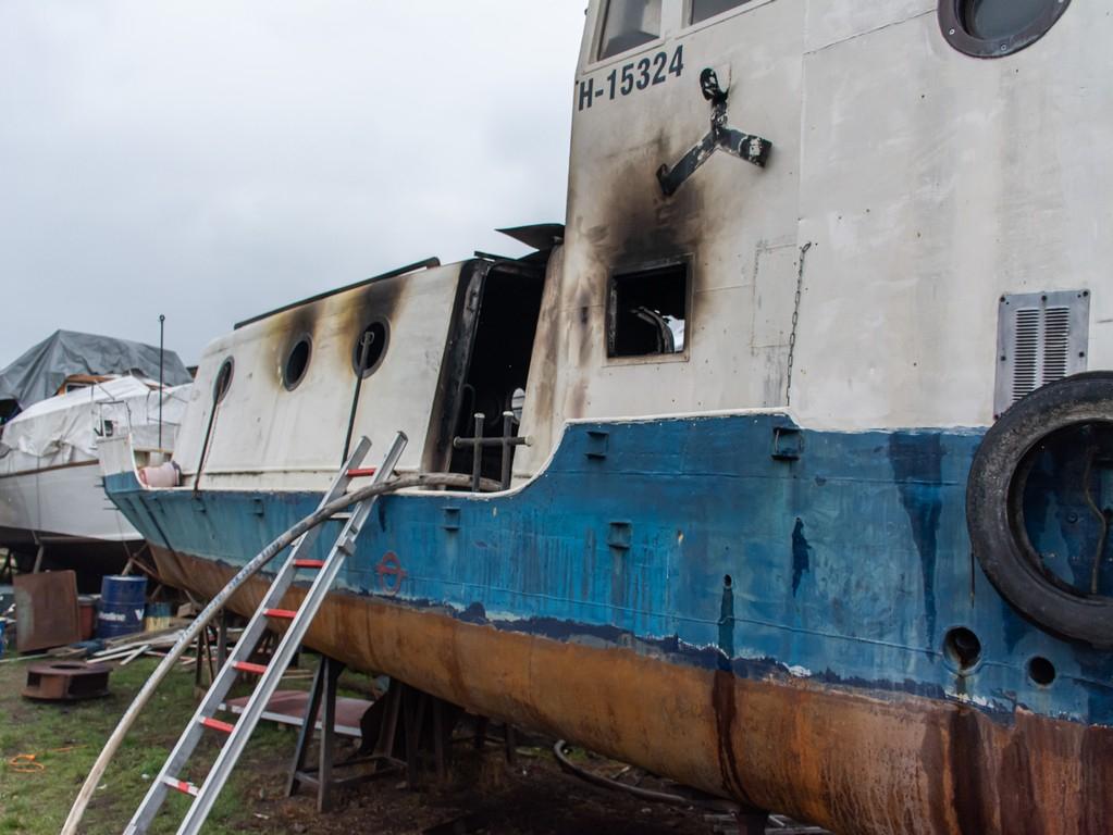 Hajó égett az újpesti kikötőben