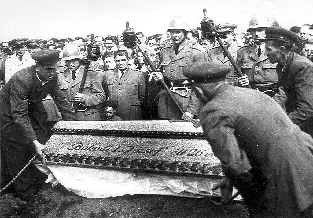 A hősihalott Bokody I. József temetése