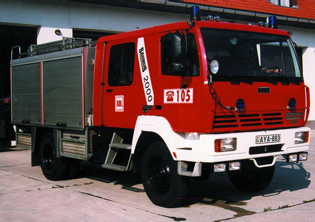 Steyer-Bronto 2000 típusú tűzoltógépjármű