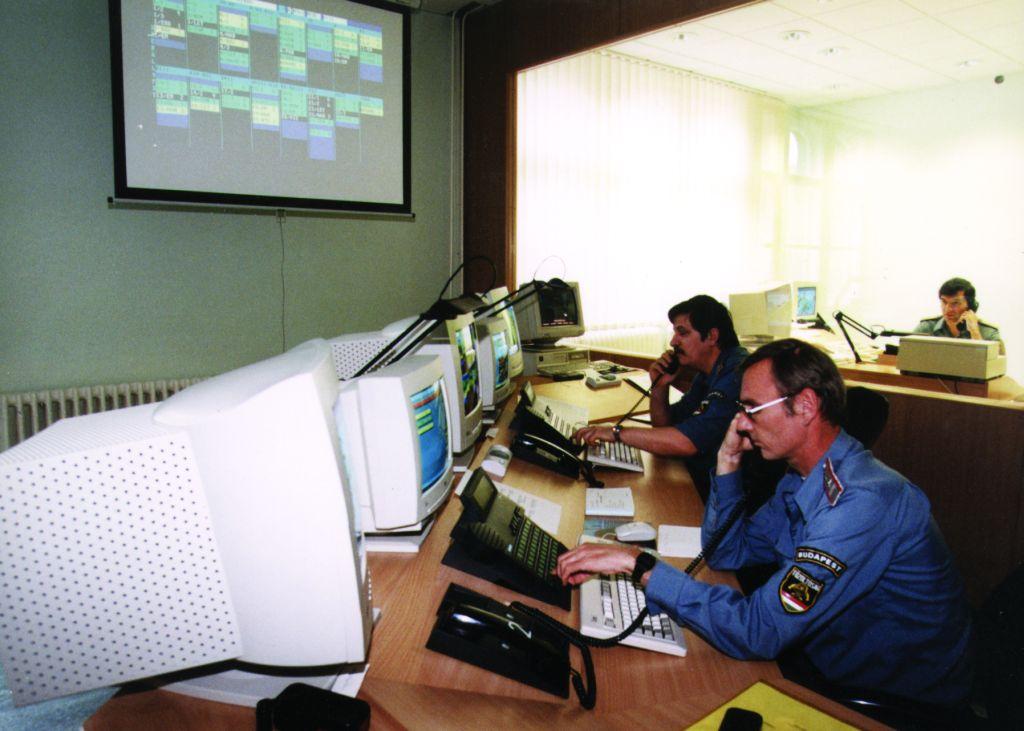fővárosi tűzoltóság ügyelete 1998
