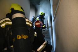 Behatolás az égő lakásba
